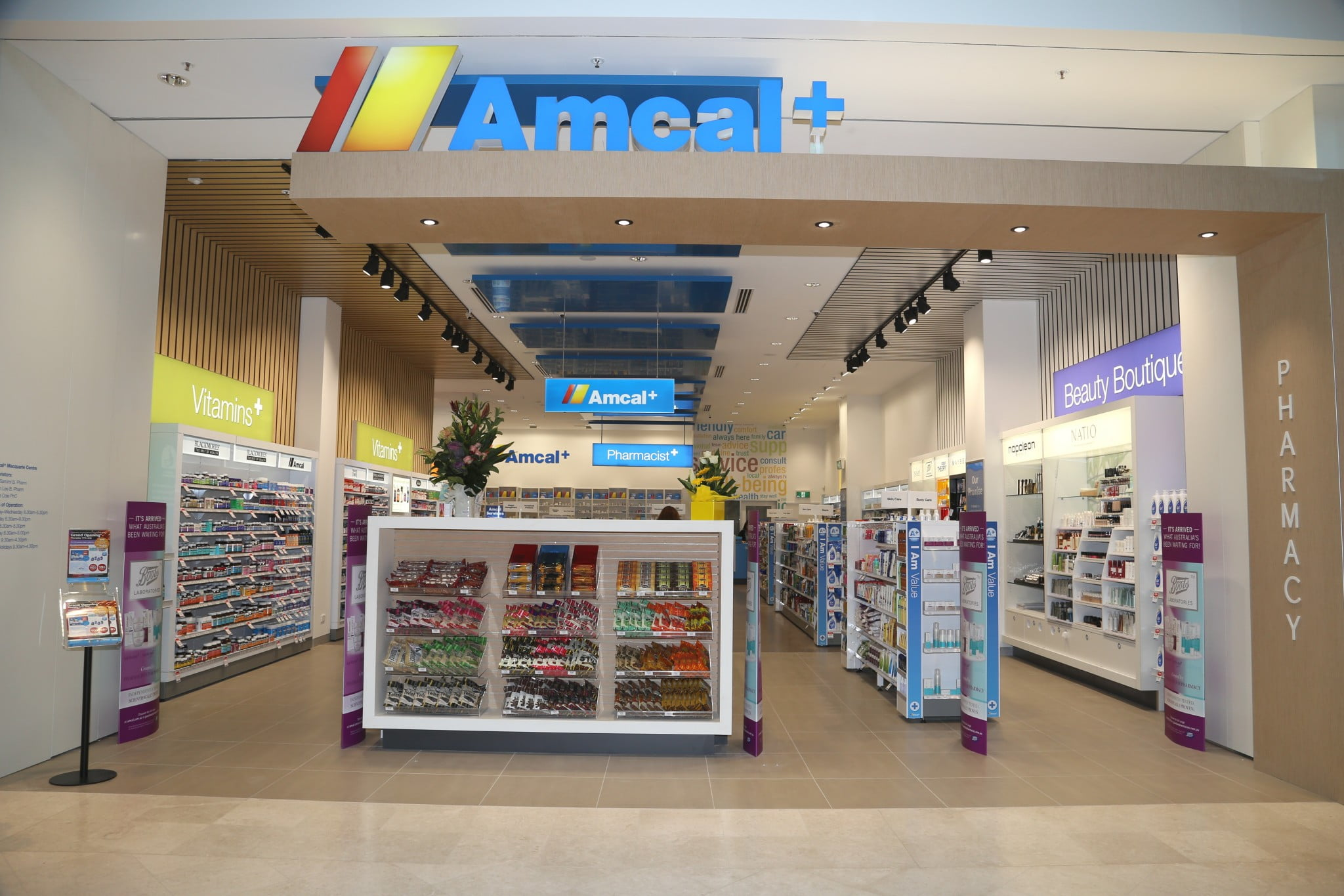 Amcal shopfront (Macquarie)