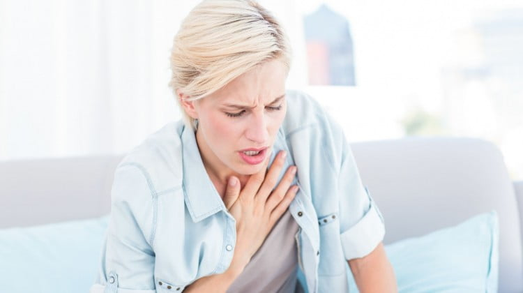 woman experiencing breathlessness