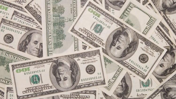 US $100 bills