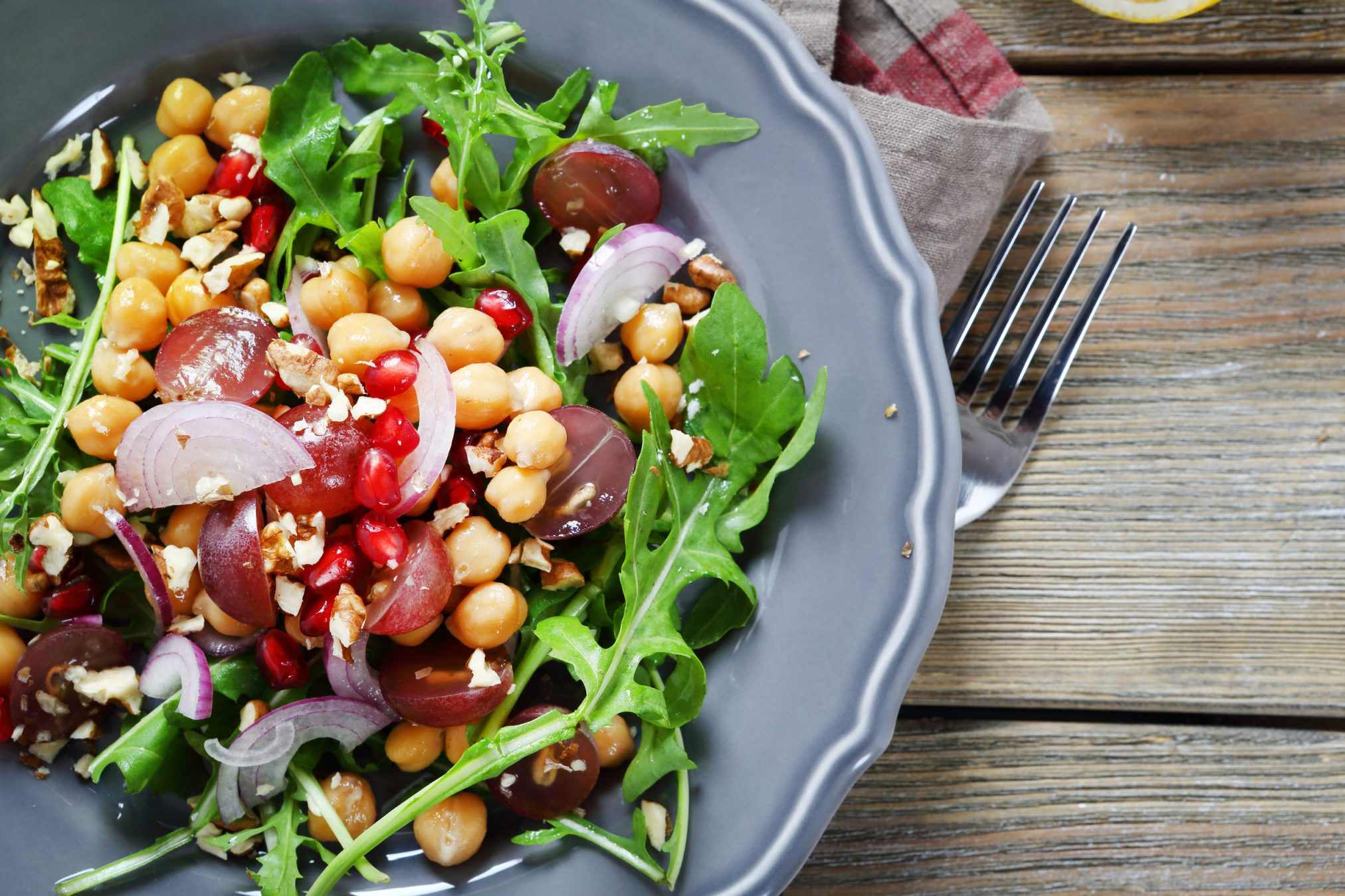 salad with chickpeas and nuts