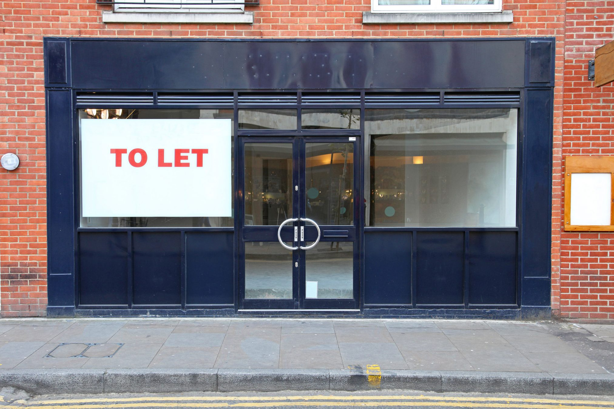 23105475 - vacant retail shop to let in london