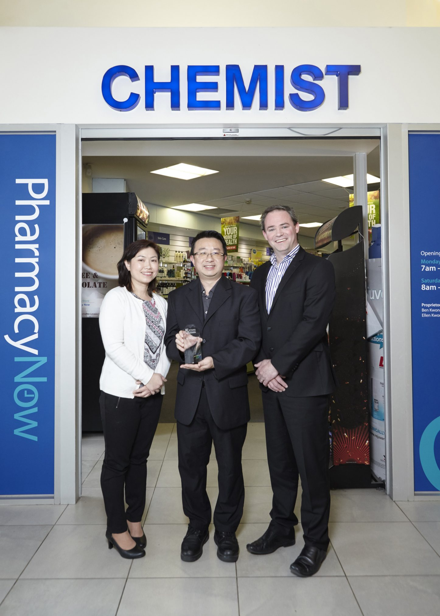Pharmacy Choice National Manager Luke McKinnon (right) with Top Tier prize winners Ben and Ellen Kwong of Pharmacy Now in Ringwood, Victoria