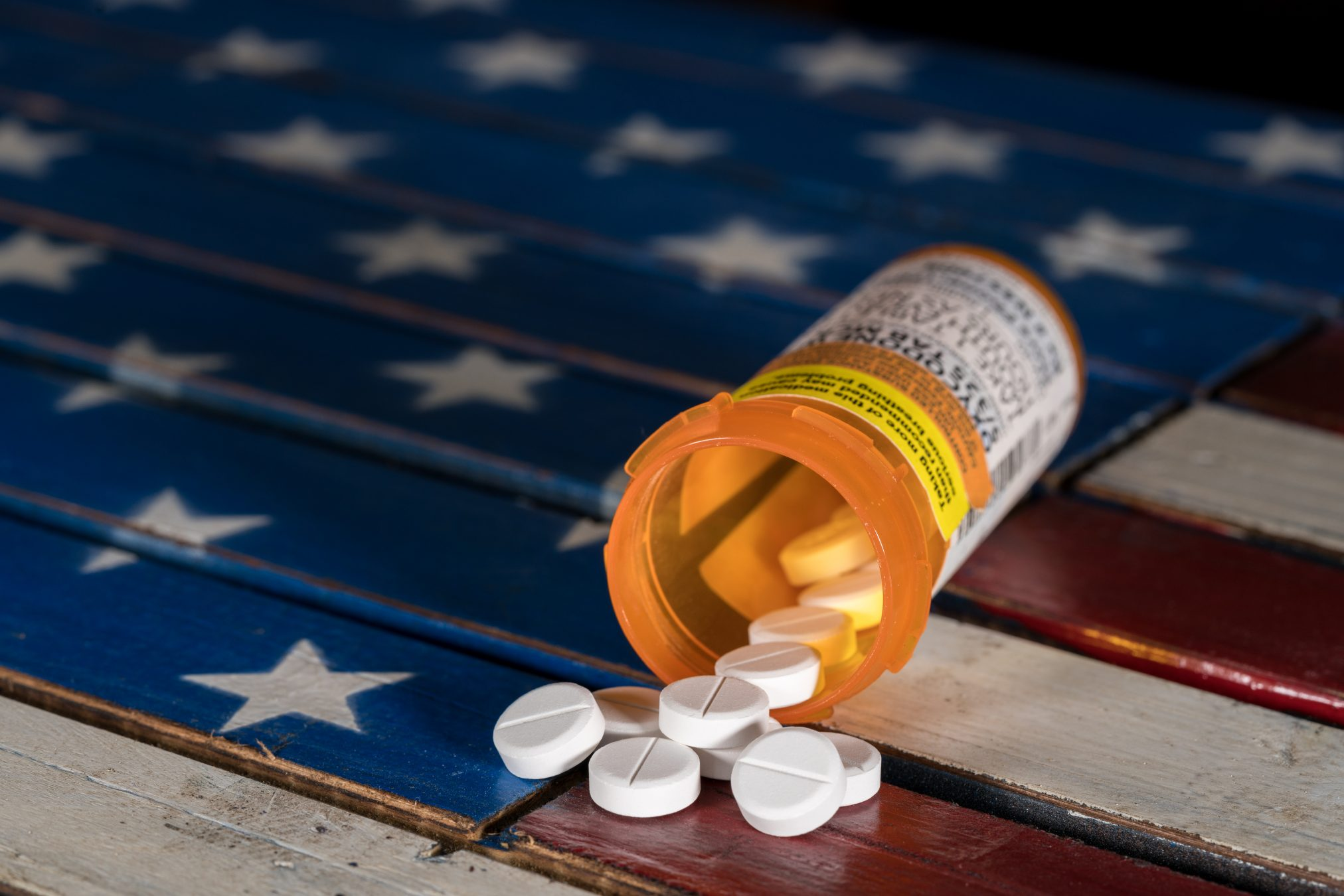 oxycodone pills and us flag
