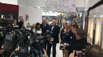 Shadow Health Minister Walt Secord makes the announcement at Adore Compounding Pharmacy in Rozelle, NSW.
