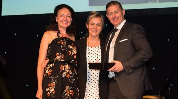 Member Pharmacy of the Year 2018: Oberon Pharmacy NSW - Owners Allison O'Driscoll (L) & Jennifer Stoneman (M) with Darren Dye, CEO Pharmacy Alliance