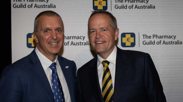 George Tambassis chats with Opposition Leader Bill Shorten at the Parliamentary Dinner.